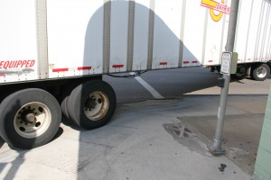 Gall5 Semi on curb